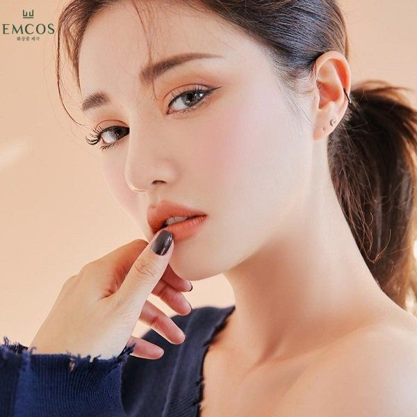 cách trang điểm mắt cơ bản, cách đánh phấn mắt 2 màu, cách phối màu mắt Hàn Quốc, cách đánh phấn mắt màu nâu, cách đánh phấn mắt màu hồng, cách đánh phấn mắt đơn giản, cách đánh phấn mắt Hàn Quốc, cách kết hợp tông màu mắt, cách đánh phấn mắt đơn giản nhất, hướng dẫn đánh phấn mắt đơn giản