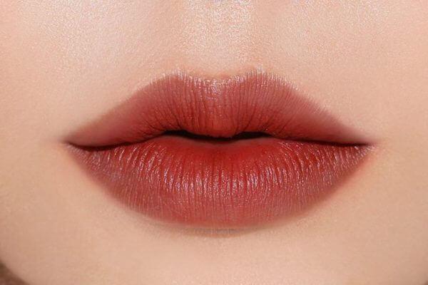 son matte là gì, chất son matte là gì, dòng son matte là gì, son dạng matte là gì, matte là gì, matte lipstick là son gì, son lì matte là gì, semi matte là gì, son matte lipstick